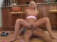 Gorgeous blonde with big tits utilizes all holes